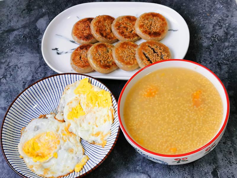 冬天,一个人的早餐这样吃,简单3样易做好吃,网友:精致生活
