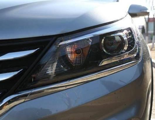 国产原型车轴距2750mm,1.5l,国家六排放标准油耗只有5.9l L。