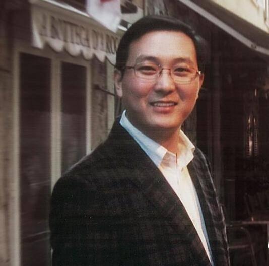 原上海隐形富豪去年日均收入1000多万,妻子是美国著名女主