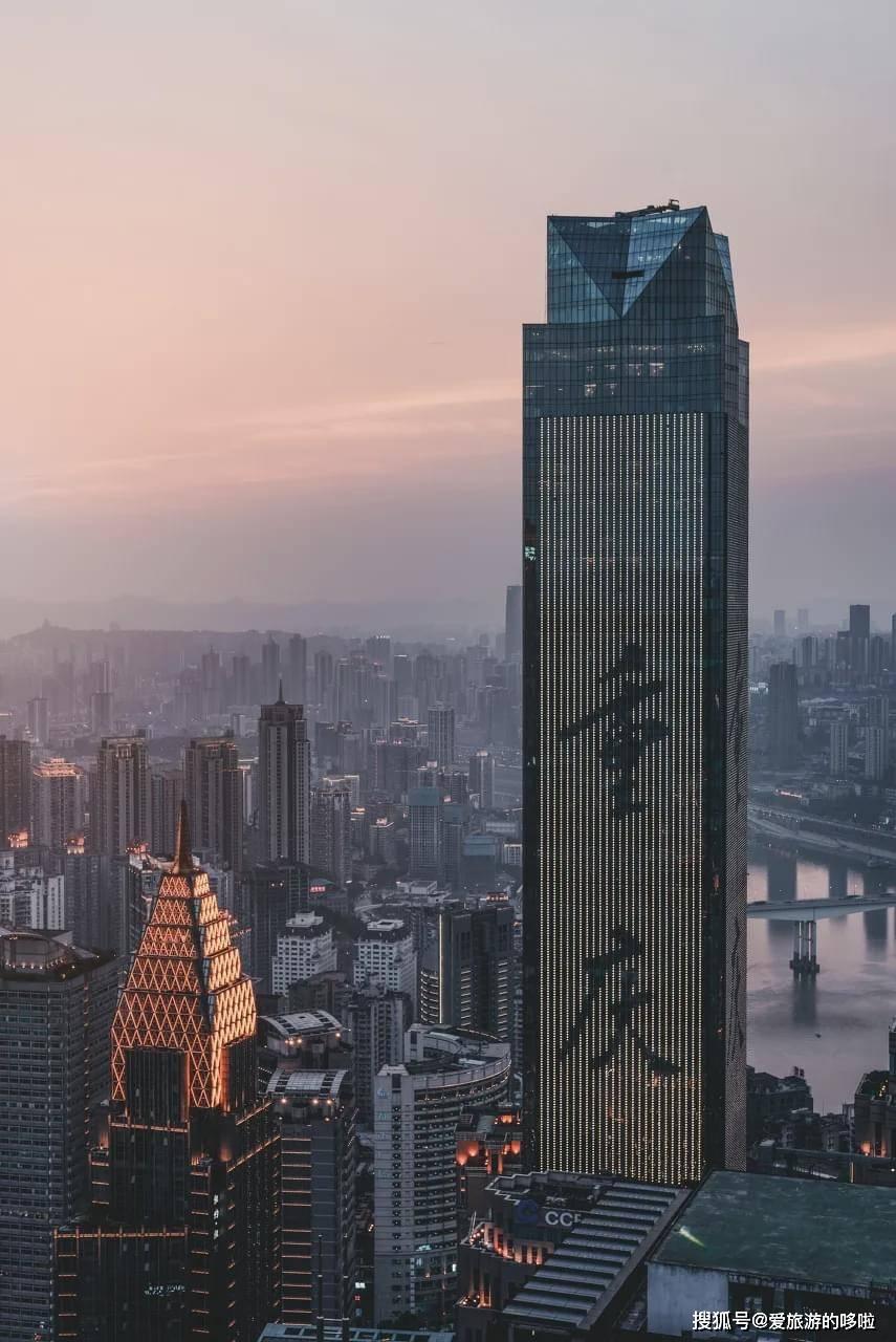 身在重庆的魔幻体验,看完怀疑人生了