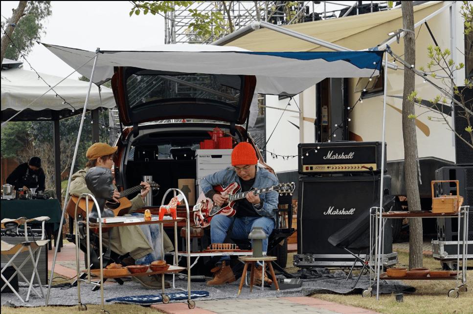 最强的瓦罐卡车拍你:新奥迪A4旅行车,探索多样化的生活