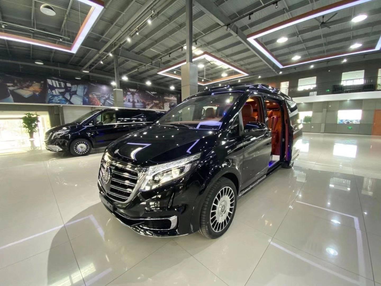 新款奔驰V250豪华升级迈巴赫版七座商务版
