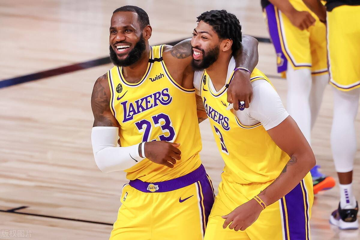 原创             NBA综述:湖人迎来4连胜,马刺爆冷击败快船,公牛绝杀开拓者