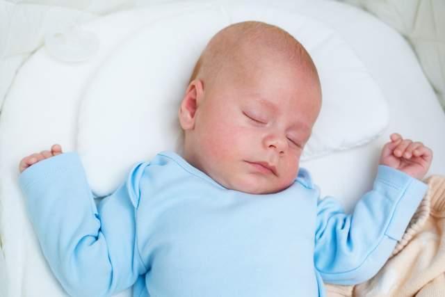 面对新生儿手足无措?妈妈护理好十个关键部位,让宝宝健康成长