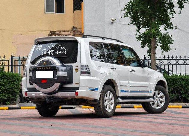 原系统标配3.0自吸。为什么要买SUV还要盯着普拉多