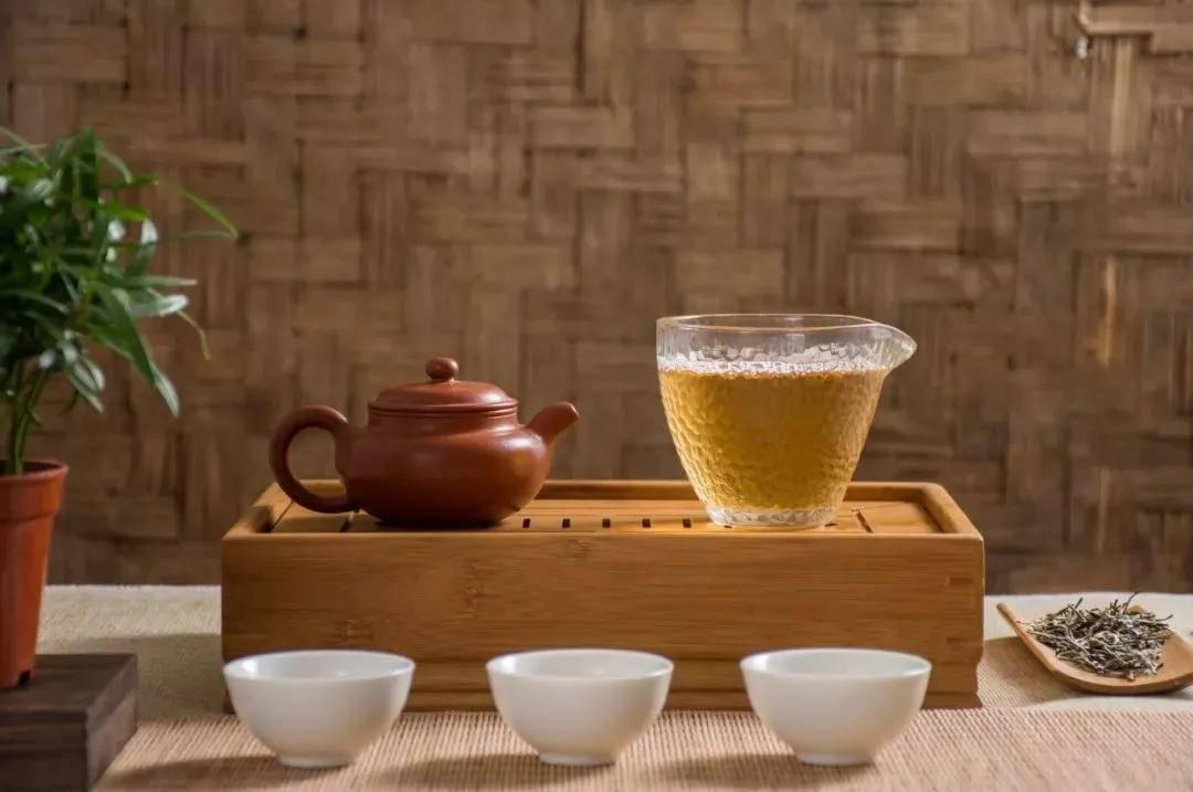 茶为谁清,酒为谁醉?缘分二字而已