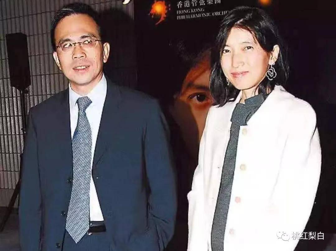 24岁就嫁入香港第一豪门,低调的王俪桥是最好命的原配太太?  第1张