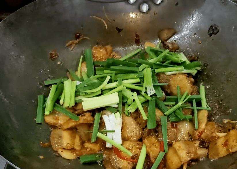 家常回锅肉超好吃的做法,肉香而不油腻,吃一盘还不够过瘾
