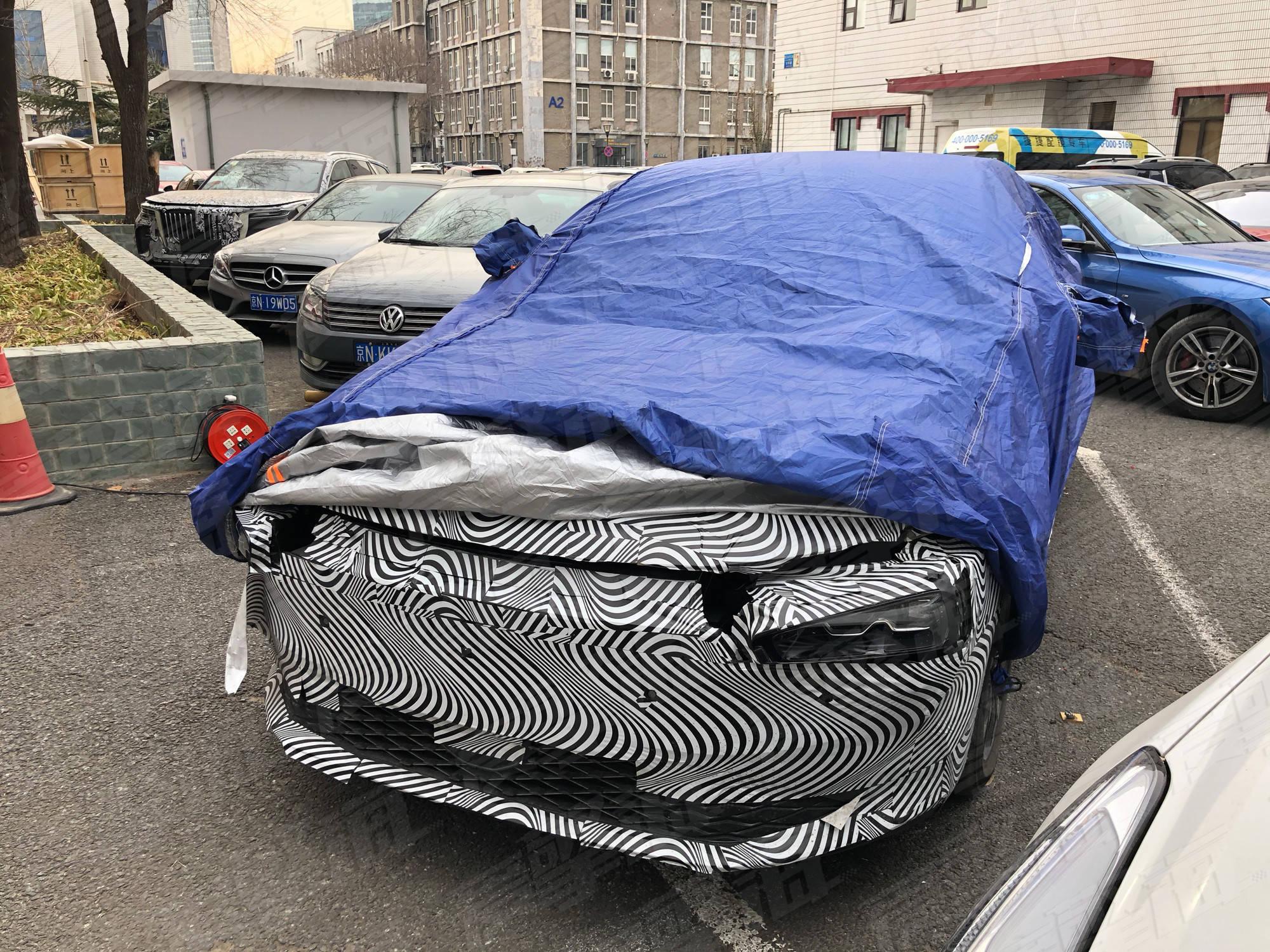 小鹏发布了新车预告。世界上第一辆搭载激光雷达的量产智能汽车