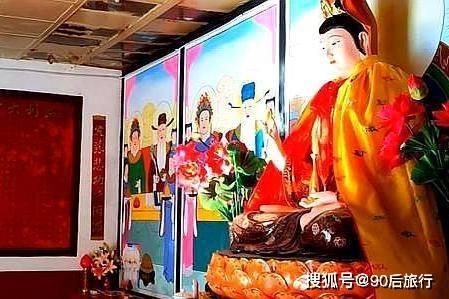 发现山西:五台山发现一座狐仙庙,庙内供奉着狐仙,就是塑像吓人  第5张