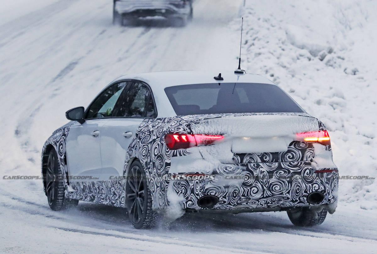 最大420匹马力,新款奥迪RS3轿车路试谍照再曝光
