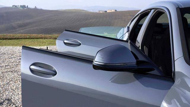 宝马原配空降新轿跑起步价估计25万,能扳倒奔驰CLA和奥迪A3?