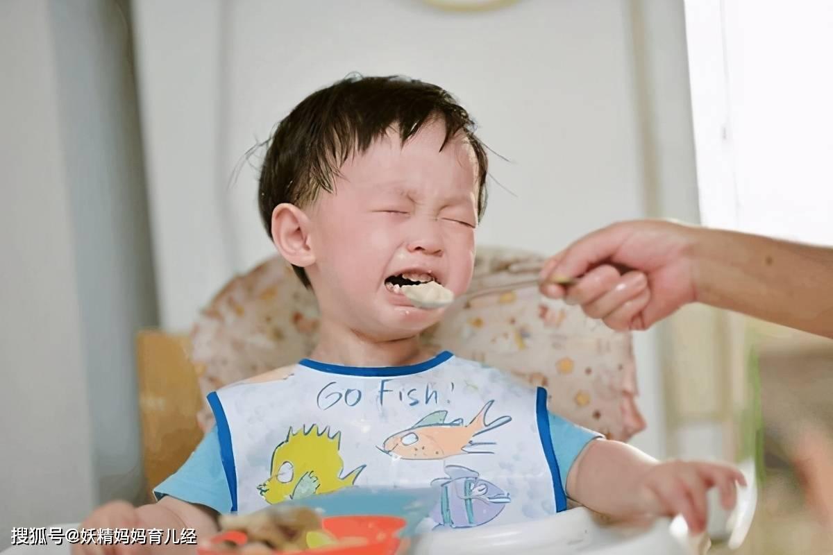 """孩子吃饭慢、不吃饭怎么办?妈妈做到""""1不7要"""",孩子乖乖吃饭  第1张"""