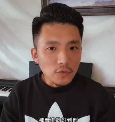 曾为薛之谦作曲,有人问他为什么帮冯提莫做演唱会,回答让人意外