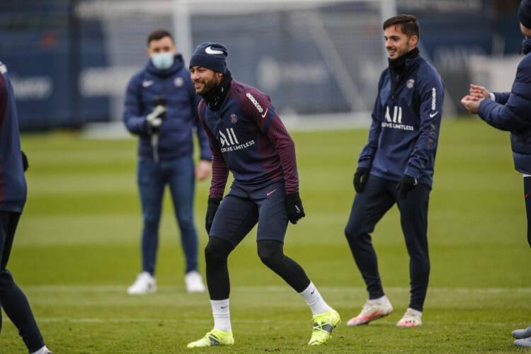内马尔伤愈回归训练 本周有望首次合作波切蒂诺