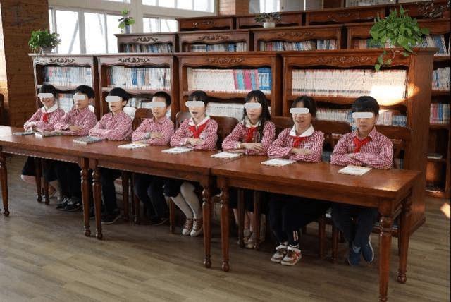 八胞胎兄妹走红网络,如今已上四年级,网友戏称:再也不怕被欺负  第1张