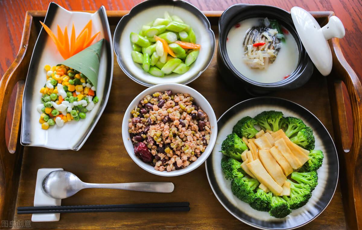 牢记3个减脂晚餐原则,让你边吃边瘦下来!