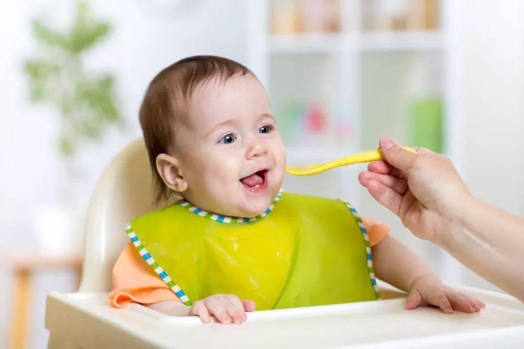 给宝宝添加辅食有技巧,三类食物莫乱加,易造成消化不良  第10张
