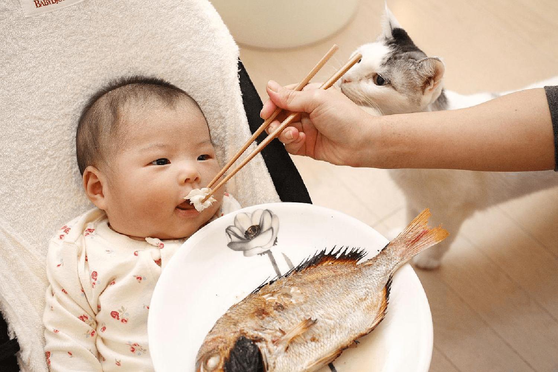 4岁孩子被鱼刺卡住喉咙,多亏父母这样处理,医生:娃不用受那么多罪
