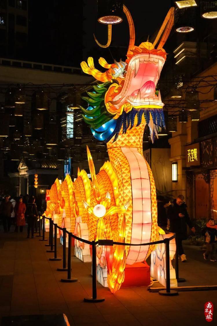 南滨路沿线迎春灯饰计划1月15日全线亮灯