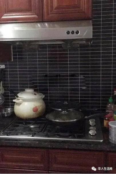 华人房东为赶租客谎称租客精神病,华女遭11警登门铐送精神病院