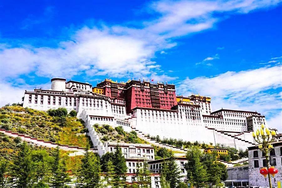 """西藏最低调的""""藏东明珠"""",川、滇、青三省进藏的重要门户,神秘又神奇"""