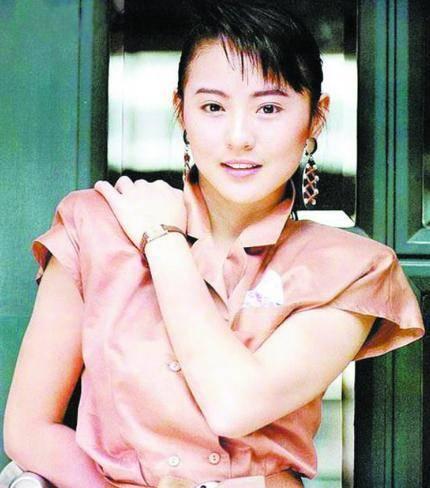 美女明星杨丽菁前后共主演了5部《皇野师姐》系列影戏插图(3)