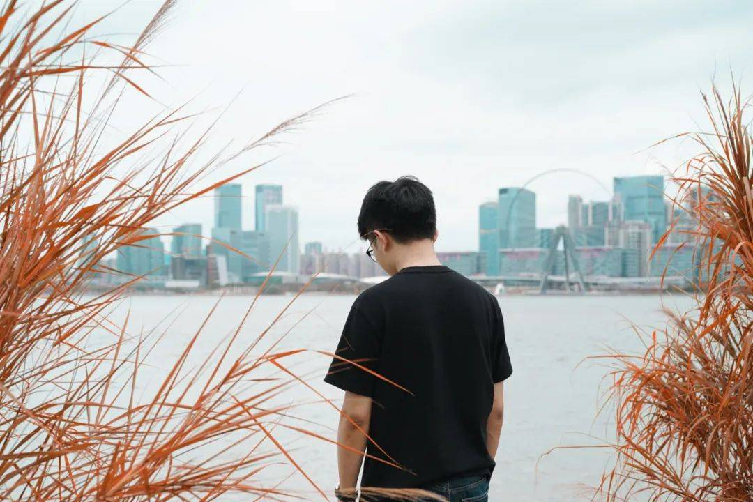 """我在深圳30 °C的盛夏,找到了""""一亩秋天""""!"""