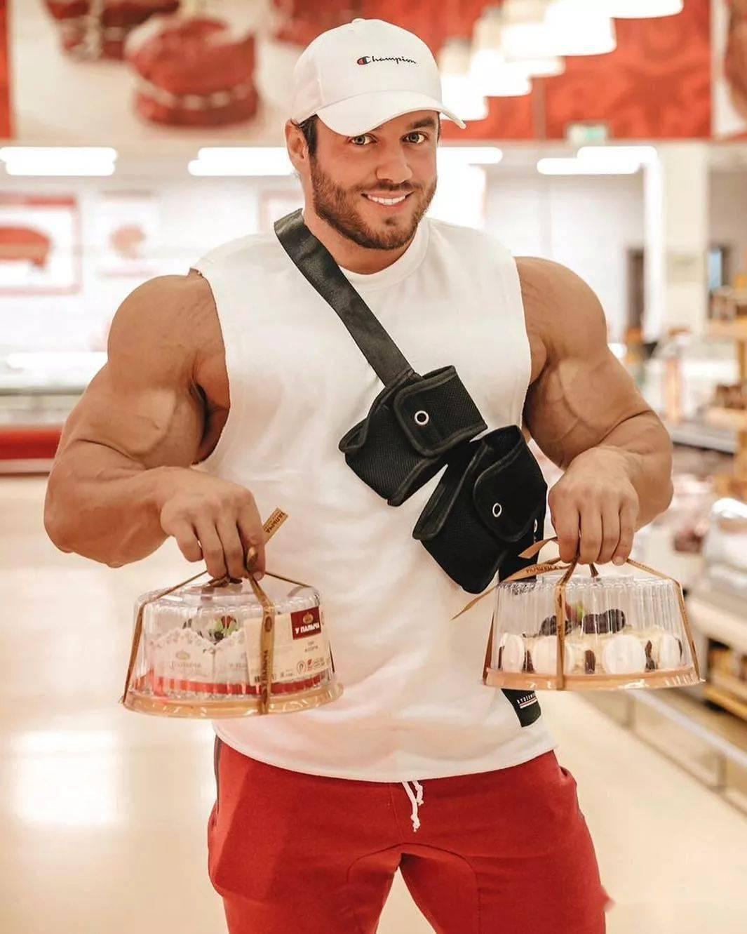 55cm臂围的肌肉硬汉,看了他的奶爸日常,我都想生娃了 初级健身 第34张