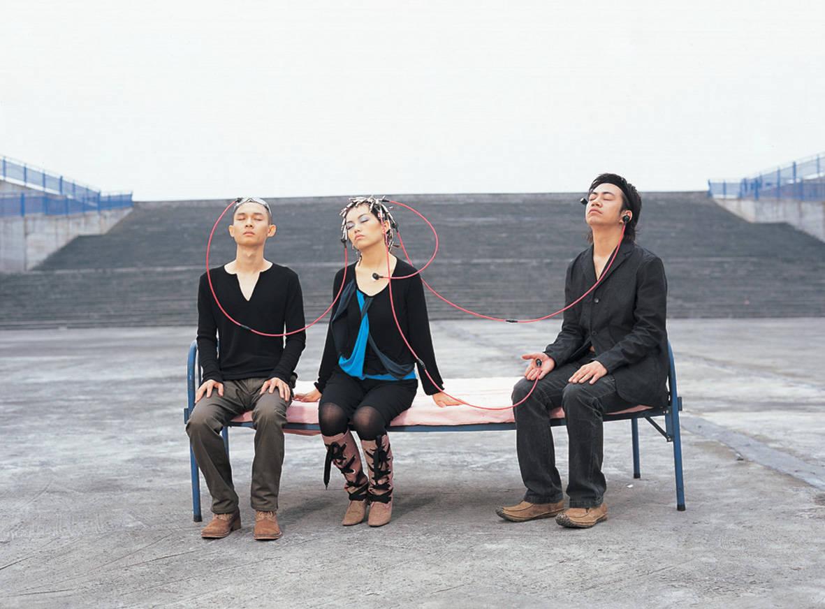 「蒋凡」与非门乐队7月18日广州开唱,久违了!主唱蒋凡回归