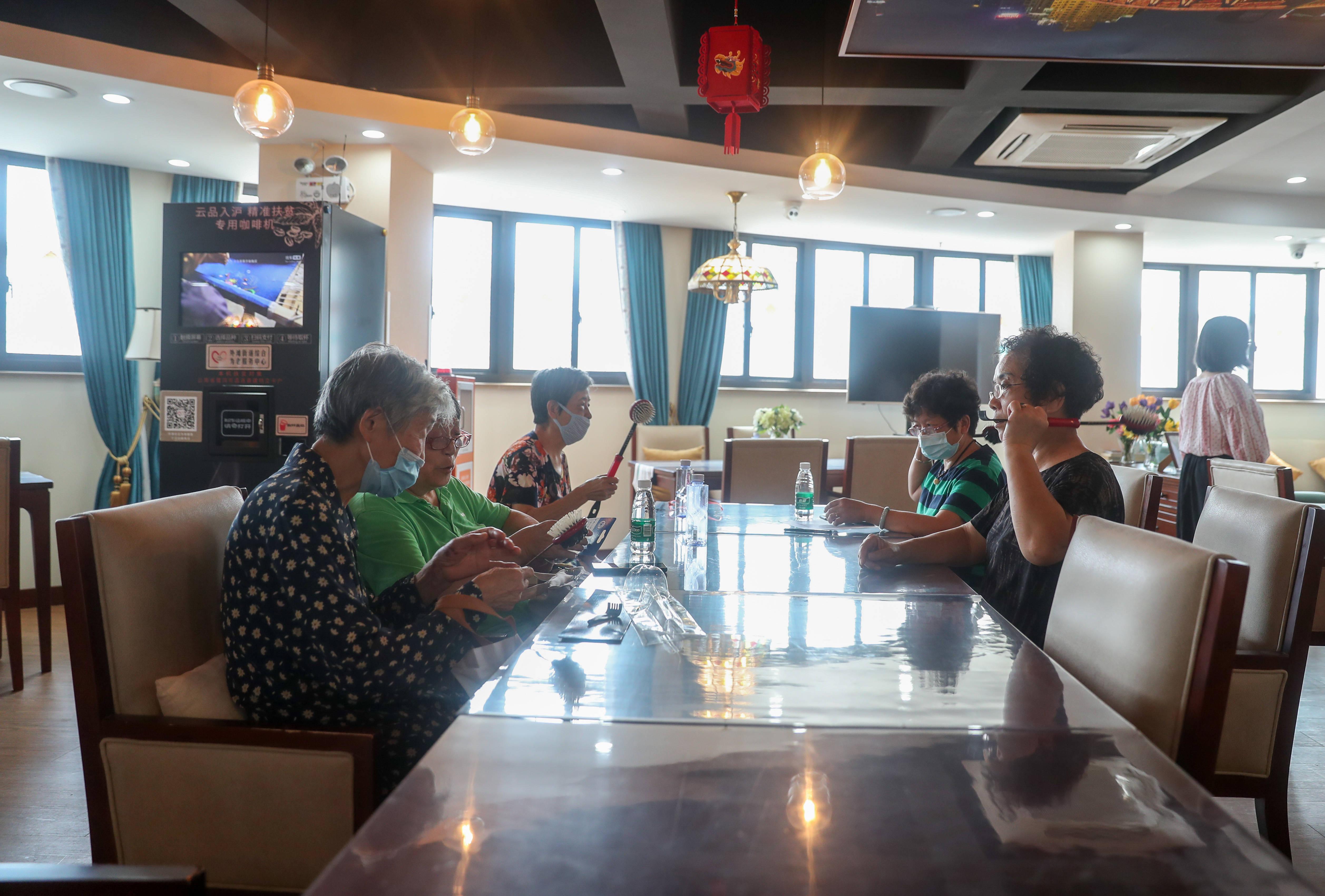 家有一老,如有一宝——上海精细化为老服务目击记