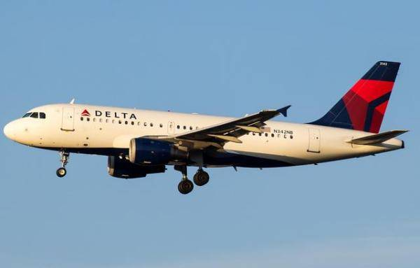 美国一架空客A319导航故障紧急改道降落 机鼻受到神秘破坏