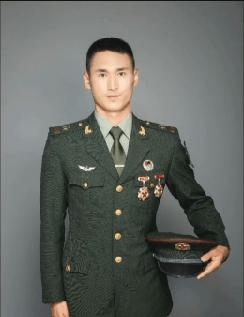 点赞砚山好男儿李海川,登上央视军事纪实节目!
