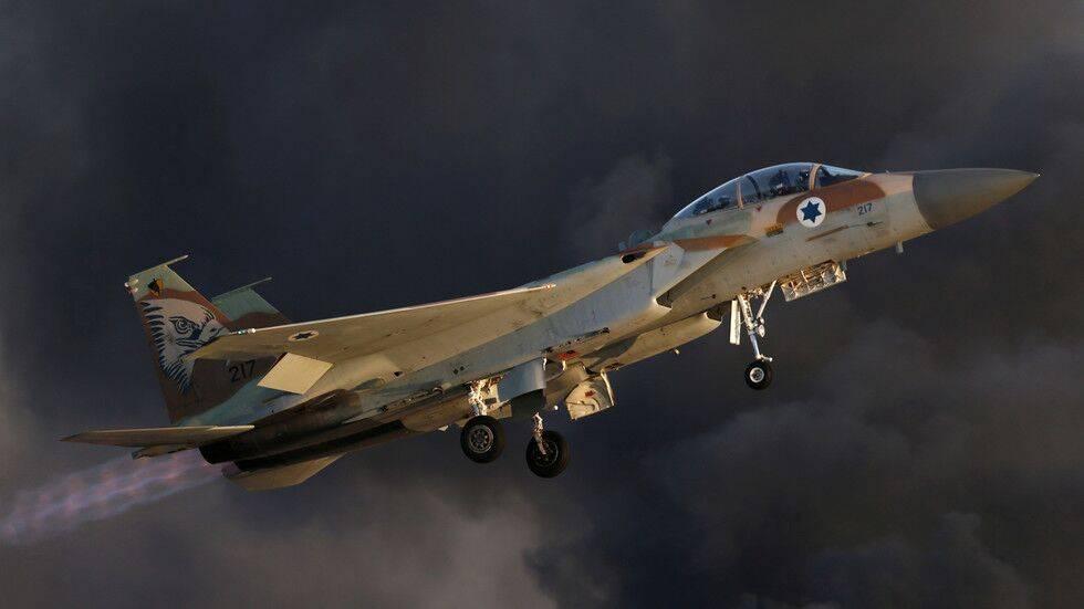 以色列战机空袭叙利亚首都南部军事基地称为报复有武装人员企图在戈兰高地安放炸药