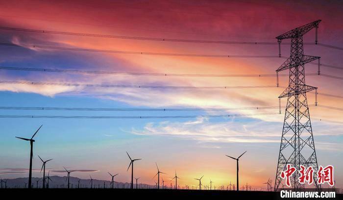 国网甘肃电力加强风电、光伏等新能源的统筹开发利用