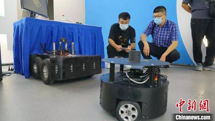 内蒙古高校自主研发移动机器人获科技成果转化项目支持