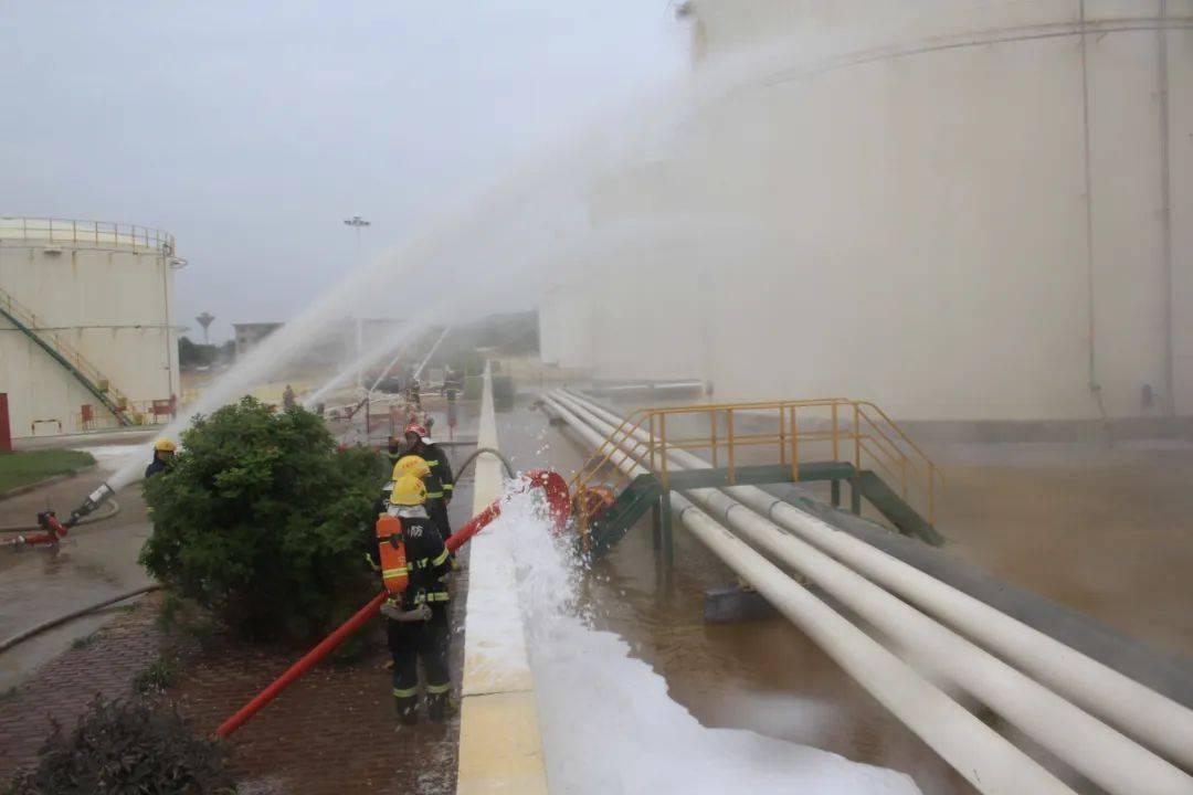 固原市消防救援支队组织开展石化灾害事故处置