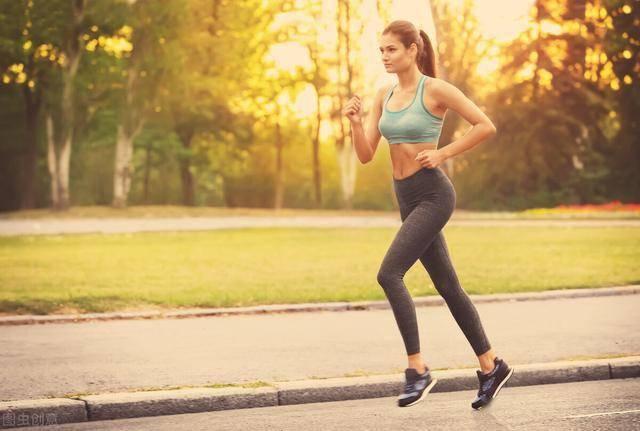 HIIT训练比跑步更减脂!每次20分钟,让身体持续燃脂