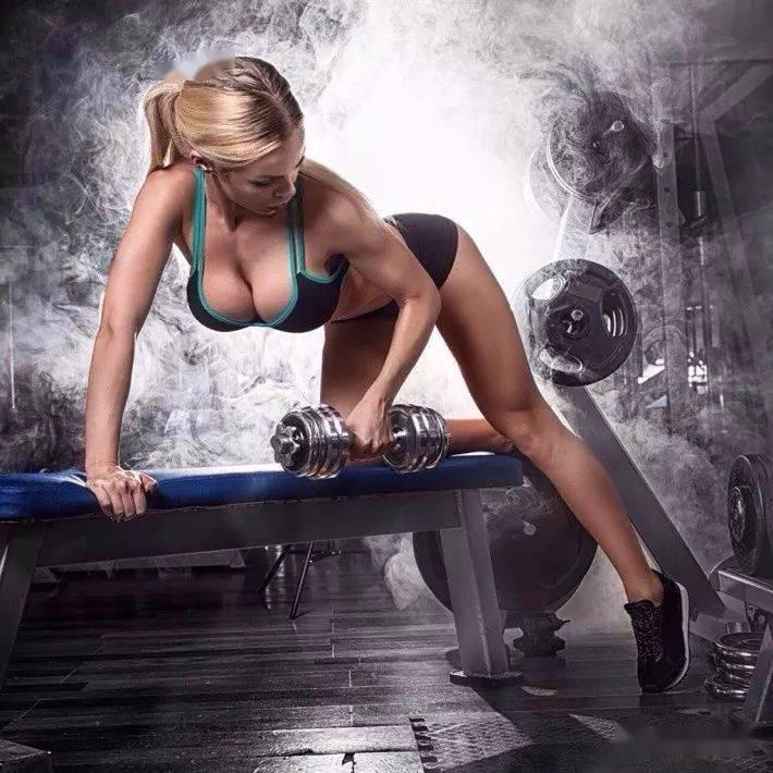 胸部与肱三头肌的进阶训练技巧