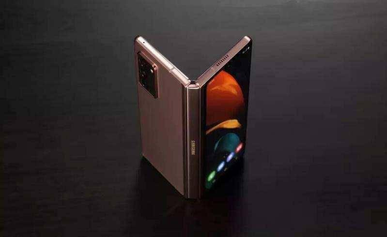 最前线丨三星再发盖乐世系列新机:摊开像平板,叠起是双屏手机