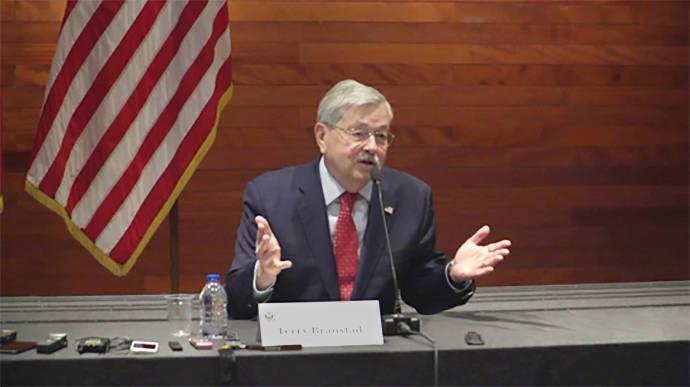 美国驻华大使离任之前密集释放信号:美国不寻求围堵中国