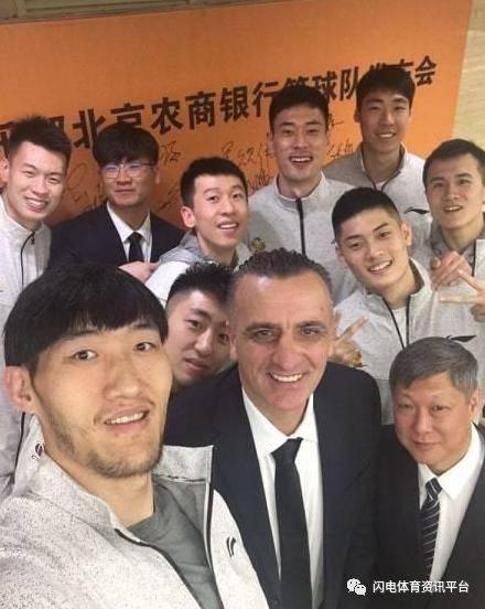 山东男篮热线换教练了吗? 山东高速男篮微博