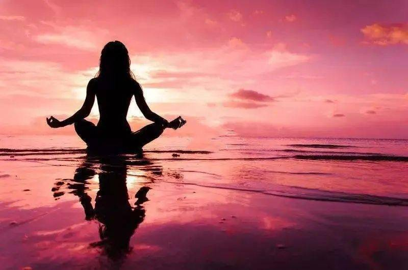 瑜伽,是将身心合二为一的有机运动!