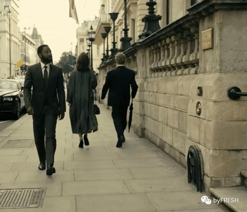 男主角Washington(左)和爵士会面的地方在THE REFORM CLUB,是伦敦最顶级的私人俱乐部之一,于是穿了一身自认为还挺正式的Brooks Brothers西装