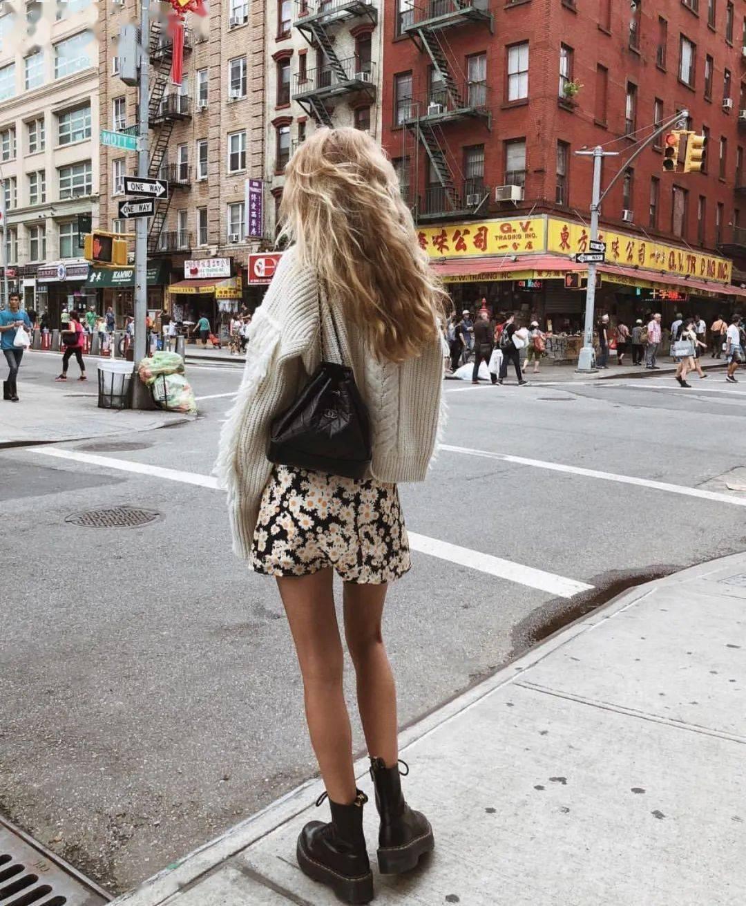 马丁靴+裙子,马丁靴+工装裤……又酷又撩,时髦炸了!     第62张