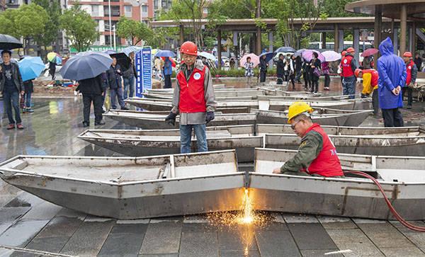 长江流域非法捕捞器具集中销毁