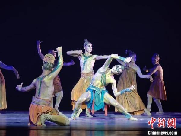 """第十二届中国舞蹈""""荷花奖""""古典舞评奖古都洛阳举行"""