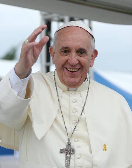 外媒:与教皇同住所一男子新冠病毒检测结果呈阳性