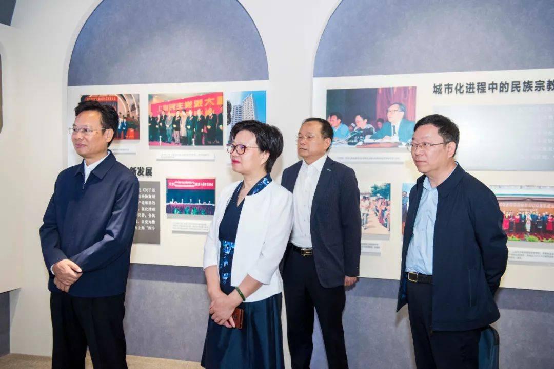 """""""对接上海""""成为热词!苏州多城导游带领团队前往上海调研。"""