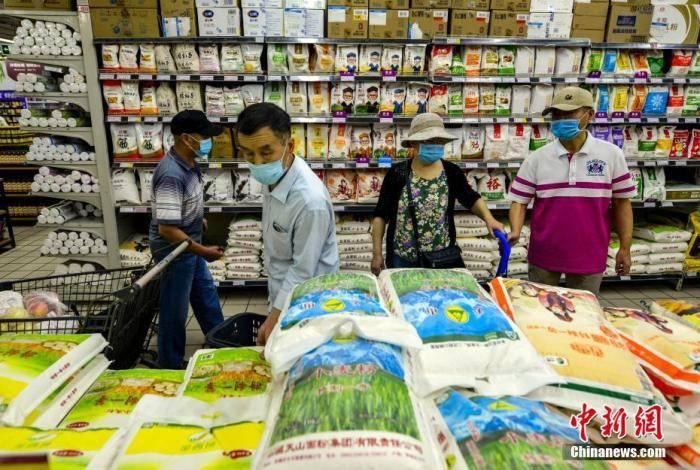 前8月粮油、食品类商品零售类值累计值9733.8亿元